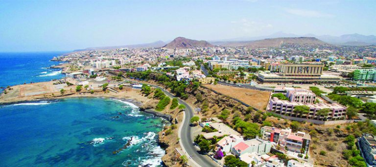 Make it to the Praia, a smart city by 2025